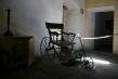 720px-wheelchair.jpg